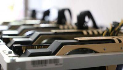 La tarjeta gráfica serie RTX 3000 de Nvidia tiene algunas de las mejores tarjetas gráficas disponibles en el mercado gracias a tecnologías patentadas como DLSS, pero también son excepcionalmente buenas en la minería de criptomonedas. Esto ha contribuido a niveles de demanda sin precedentes que Nvidia ha intentado frenar mediante la introducción de limitadores de tasa de hash lite (LHR), pero Tom's Hardware informa que los mineros criptográficos han encontrado una manera de eludir las limitaciones.