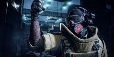 """Los gamers de videojuegos están OK con que los desarrolladores tomen riesgos y prueben cosas nuevas, pero un tema que seguramente causará controversia es mover el botón predeterminado de """"Lanzar granada"""" en un controlador. Sin embargo, eso es exactamente lo que Battlefield 2042 está haciendo de acuerdo con su esquema de controlador de consola lanzado recientemente. Es cierto que puede ser un concepto erróneo, pero eso no ha impedido a que muchos de los que esperan Battlefield 2042 estan muy disgustados con la decisión de EA DICE."""